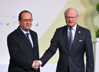 Sweden's King Carl XVI Gustaf Arrives at Opening of UN Climate Summit Near Paris