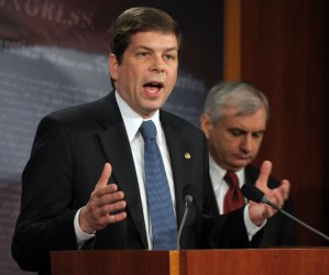 Sens. Reed, Begich, decry Republican delay tactics on Capitol Hill