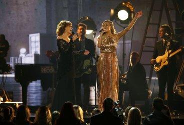 Reba McEntire and Kelsea Ballerini perform at the 2017 CMA Awards in Nashville
