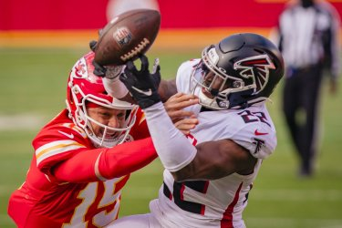 Chiefs Patrick Mahomes Knockes the Ball Away from Falcons Keanu Neal