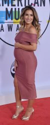 Jessie James Decker attends the annual 2017 American Music Awards in Los Angeles