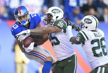 New York Giants wide receiver Odell Beckham drops a pass in endzone