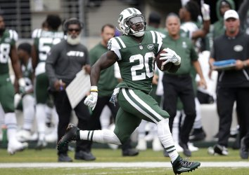 New York Jets Isaiah Crowell runs for a 77 yard touchdown