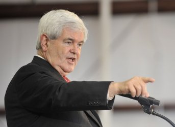 Gingrich Speaks at Rally in Illinois