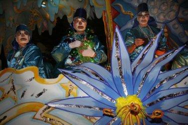 Mardi Gras weekend kicks off in New Orleans