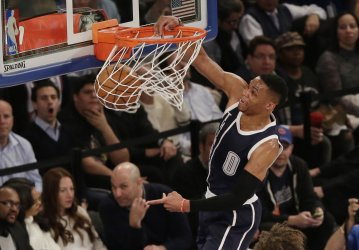 Thunder Russell Westbrook dunks the basketball
