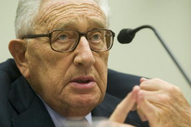 KISSINGER DISCUSSES MIDDLE EAST