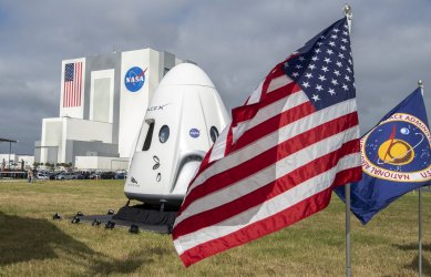 NASA Administrator Bridenstine Addresses a Press Conference at KSC