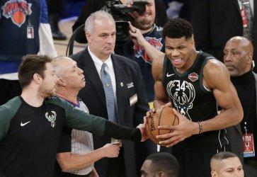 Milwaukee Bucks Giannis Antetokounmpo reacts