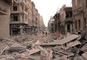 Deadly explosions hit central Aleppo Killing Dozens