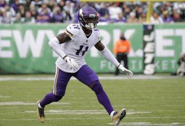 Minnesota Vikings Laquon Treadwell runs a play