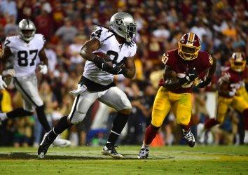 Oakland Raiders running back Marshawn Lynch