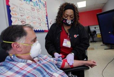 Coronavirus patient St. Louis Blues broadcaster John Kelly, donates plasma