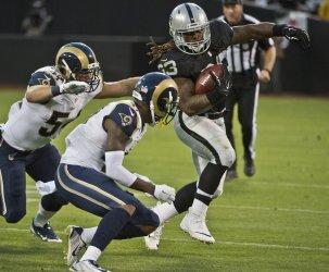 Oakland Raiders vs St. Louis Rams
