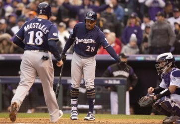 Brewers Moustakas scores on balk call in NLDS Game Three
