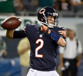 Bears' Hoyer throws against Eagles in Chicago
