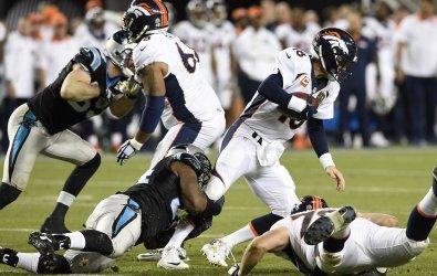Panthers Ealy sacks Broncos QB Manning at Super Bowl 50