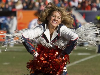 Denver Broncos Seek AFC West Division Title in Denver