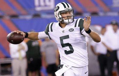 Jets quarterback Christian Hackenberg throws a pass