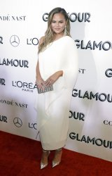 Chrissy Teigen arrives to the 2018 Glamour Women of the Year Awards