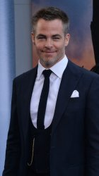 """Chris Pine attends the """"Wonder Woman"""" premiere in Los Angeles"""