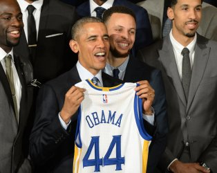 Obama Honors NBA Golden State Warriors at White House