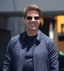 """Tom Cruise attends """"The Mummy"""" photo-op with sarcophagus in Los Angeles"""