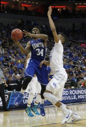 Kentucky Wildcats vs Hampton Pirates NCAA Division I Mens Basketball Championship in Louisville