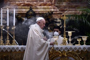 Pope Francis Performs Service in Saint Peter's Basilica