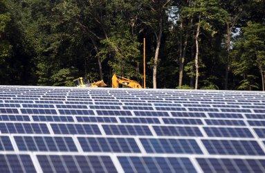 Panels Go Up at Ameren O'Fallon Renewable Energy Center