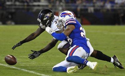 Ravens' Taquan Mizzell regains possession of fumble against Bills' E.J. Gaines