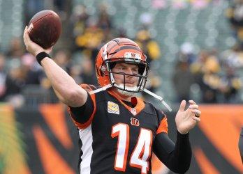 Cincinnati Bengals quarterback Andy Dalton throws
