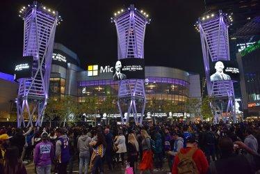 Fans mourn the loss of Kobe Bryant in LA