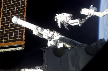 Canadarm2 Attatched to Space Station