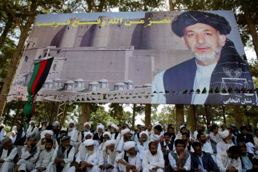 Hamed Karzai campaigns in the Afghanistan Presidential Election