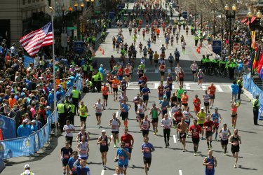 Some 36,000 Runners Take Part in the 118th Boston Marathon