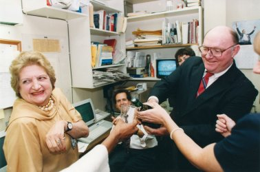 Marlin Fitzwater toasts UPI reporter Helen Thomas on her 72nd birthday