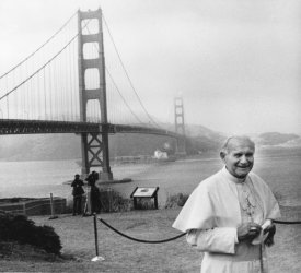 Pope John Paul II smiles broadly during a visit to San Francisco's Golden Gate Bridge