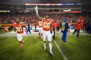 Chiefs linebacker Dee Ford celebrates after defeating the Raiders