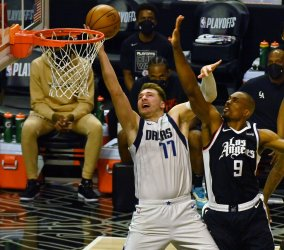 Clippers, Betrayed by Their Biggest Strength, Lose Game 1 to the Mavericks