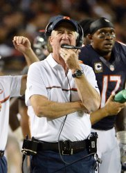 Bears' coach Fox stands on sidelines against Eagles in Chicago