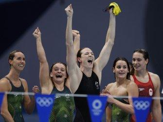 Australia's Campbell celebrates win in Women's 4 X 100 Medley Relay Final