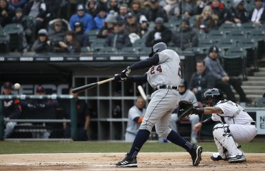 Tigers Miguel Cabrera singles against the White Sox in Chicago