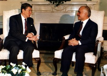 President Reagan meets with Jordan's King Hussein