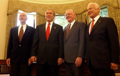 BUSH, COLLINS, ALDRIN, ARMSTRONG COMMEMORATE 35TH ANNIVERSARY OF FIRST LUNAR LANDING