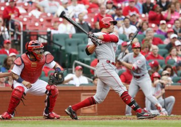 Cincinnati Reds Joey Votto hits game winning single