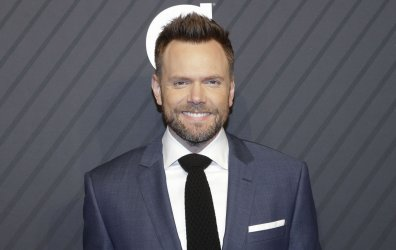 Joel McHale arrives at SI Sportsperson of the Year