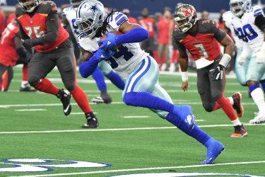 Dallas Cowboys Jaylon Smith takes a Jameis Winston fumble 69 yards for a touchdwon