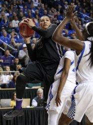Kentucky vs Washington in the NCAA Championships
