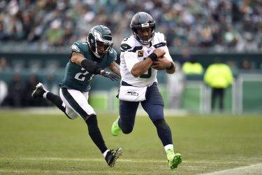 Seahawks quarterback Russell Wilson (3) runs the ball